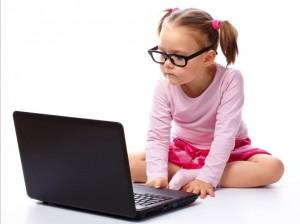 links foto meisje met laptop